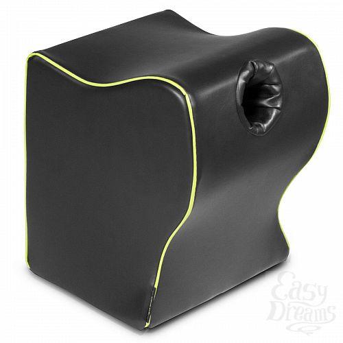Фотография 1:  Чёрная подушка для фиксации мастурбаторов от Fleslight - Liberator Retail Fleshlight Top Dog