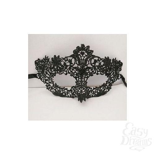 Фотография 2  Кружевная маска с цветочным узором