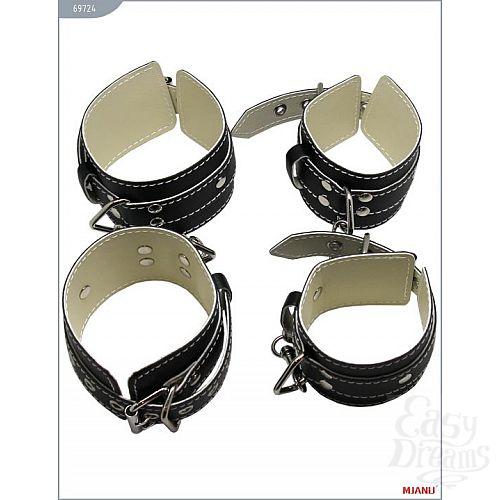 Фотография 4  Набор чёрных кожаных БДСМ-аксессуаров: наручники, наножники, ошейник с поводком, кляп