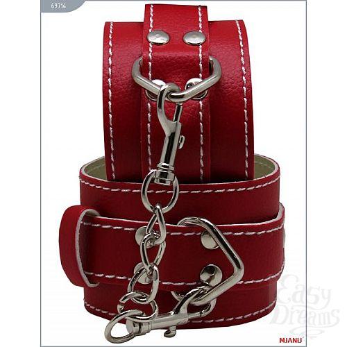 Фотография 1:  Красные кожаные наручники с фиксацией