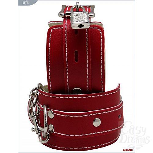 Фотография 2  Красные кожаные наручники с фиксацией