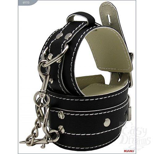Фотография 2  Чёрные кожаные наручники с фиксацией