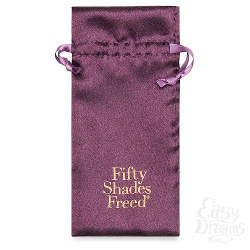 Фотография 5  Золотистые зажимы для сосков и клитора Fifty Shades Freed All Sensation Nipple and Clitoral Chain