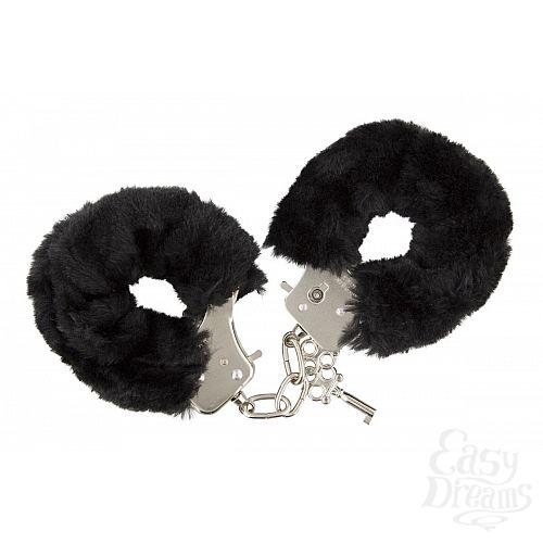 Фотография 1:  Чёрные меховые наручники с ключиками Furry Handcuffs