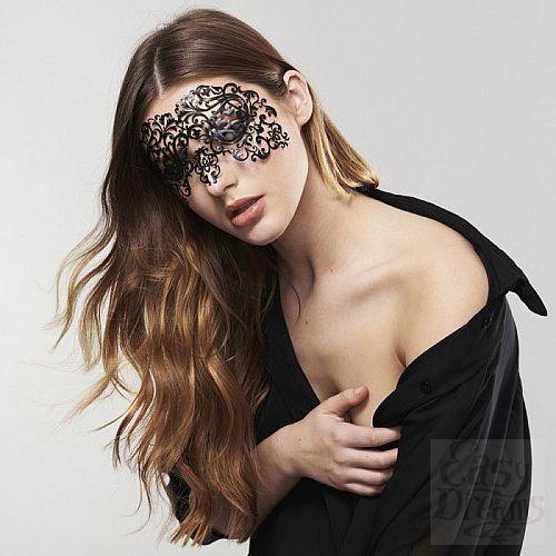 Фотография 1:  Ажурная виниловая маска на глаза DALILA