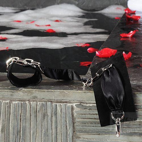 Фотография 9  Шелковые наручники с цепочкой Sutra (LELO), Фиолетовый