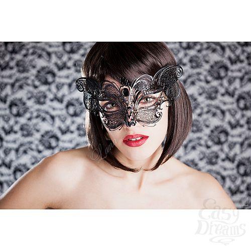 eroticheskie-foto-v-venetsianskoy-maske