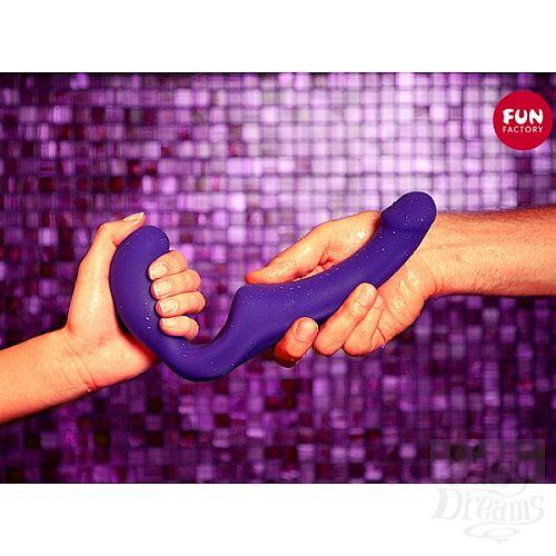 Фотография 3  Безремневой фиолетовый страпон Share